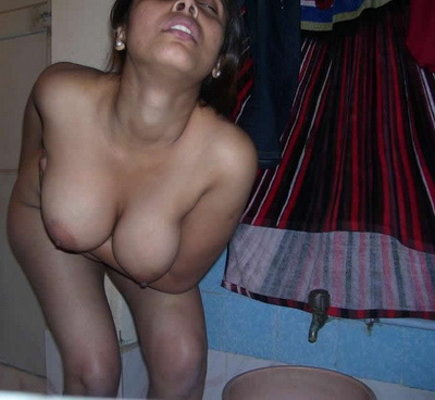 Indian gfs love to take their clothes off on cam